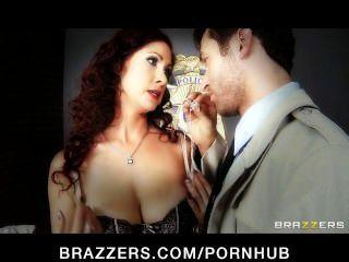 आदर्श प्राकृतिक स्तन के साथ सींग का लाल बालों वाली किसी न किसी गुदा सेक्स प्यार करता है