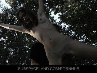 गुलाम लड़की एस्पेन बंधन में गड़बड़