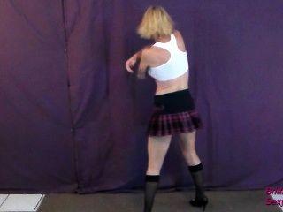 ब्रिटनी मुझ पर कुछ चीनी डालना शौकिया स्ट्रिपटीज डांस करता है