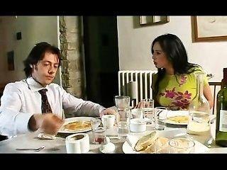 Vannessa धुआं और एक फ्रेंच फिल्म में Letizia ब्रूनी