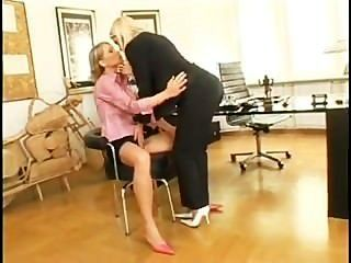 समलैंगिक नौकरी साक्षात्कार-सोफी Moone .... मुक्त करने के लिए मैं `घ काम!