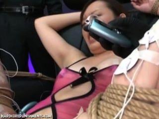 जापानी बंधन सेक्स - अयूमी के चरम बीडीएसएम सजा (पं। 11)