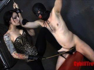 Domme बेंत गुलाम मुर्गा