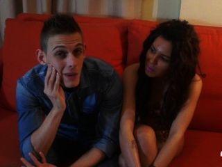 Alejandra और क्रिस हीरा X