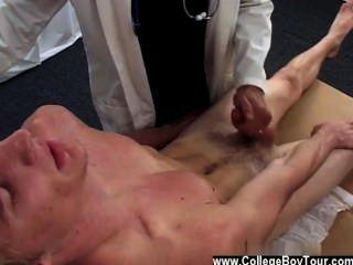 सेक्स Twink बाद में वह मेरे Gams बाहर की जाँच की है और कुछ झुकाव अभ्यास किया