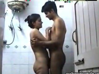 भारतीय जोड़ी सेक्स स्नान