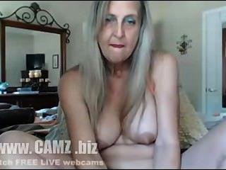 Dildo वेबकैम के साथ गर्म दादी