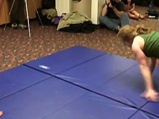 सशक्त महिला कुश्ती-mikayla मील