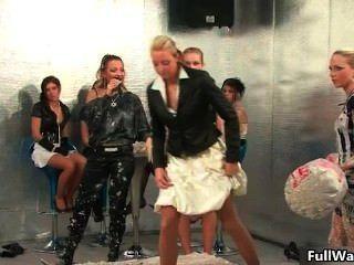 कामुक यूरो लड़कियां के समूह Part6 कर रही प्यार