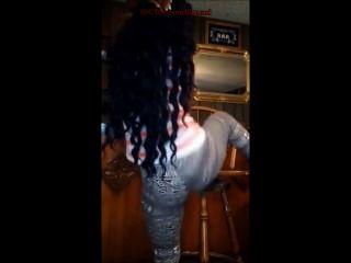 @bbipics: लेगिंग में बड़ी लूट लड़की Twerking