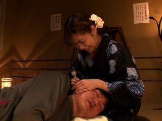 प्यारा जापानी छात्रा कट्टर 1