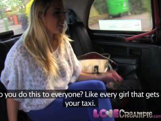 Lovecreampie तेजस्वी गोरा नकदी के लिए अंदर टैक्सी चालक सह देता है