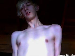 समलैंगिक नंगा नाच एरिक सहमत थे कि बजाय अपने प्रेमी टिम्मी एक हो रही करने की