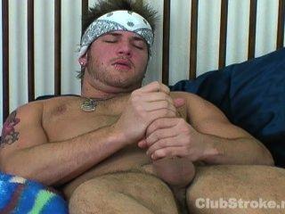 गोरा सीधे आदमी ब्रैड Masturbating