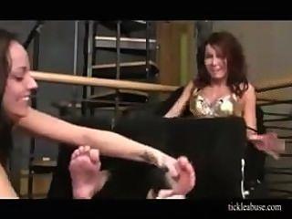गंदा मॉडल पैर