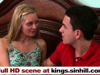 Kings.sinhill.com - भाग्यशाली प्रेमी अपने Gf और उसके गर्म गर्म माँ द्वारा गड़बड़