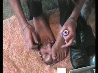 रौंद लॉज: पैर की अंगुली स्पंज