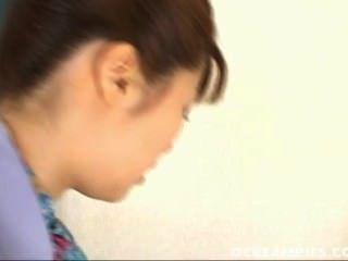 यू Aizawa सह के एक Mouthfull हो जाता है