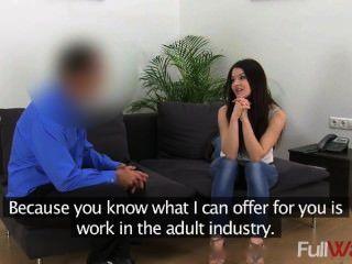 C1446 लीना [नकली एजेंट] - सेक्सी छात्र कास्टिंग Intervie में मुश्किल गड़बड़ हो जाता है