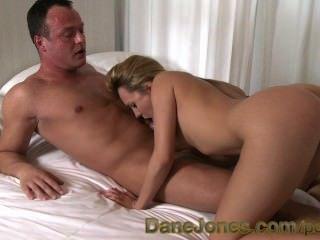 गोरा किशोरों गुस्ताख़ स्तन Danejones और रसदार गधा बिल्ली संभोग करने के लिए खाया है