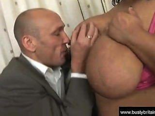 बड़े स्तन Shanice रिचर्ड्स पटक दिया जाता है - Playpigs.com