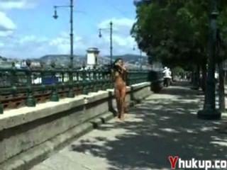 Yhukup-पागल बेब बेली सार्वजनिक सेंट पर मज़ा है